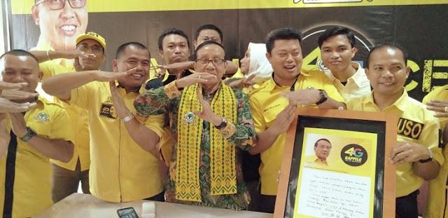 Akbar Tanjung Tulis Pesan Khusus ke Golkar Makassar