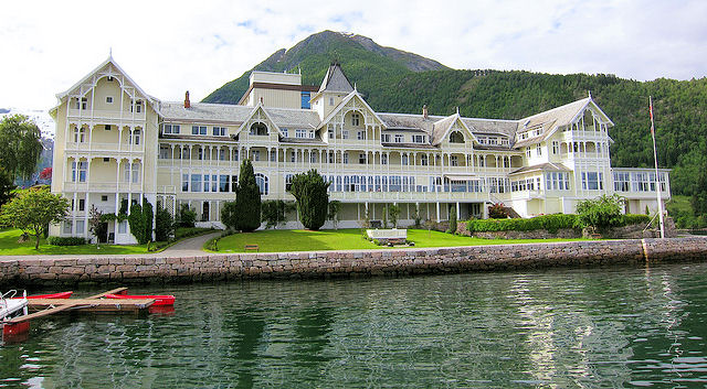 Kviknes Hotel – The Jewel of the Sognefjord, is where we'll spend the night in Balestrand. Photo: Nelson Minar.