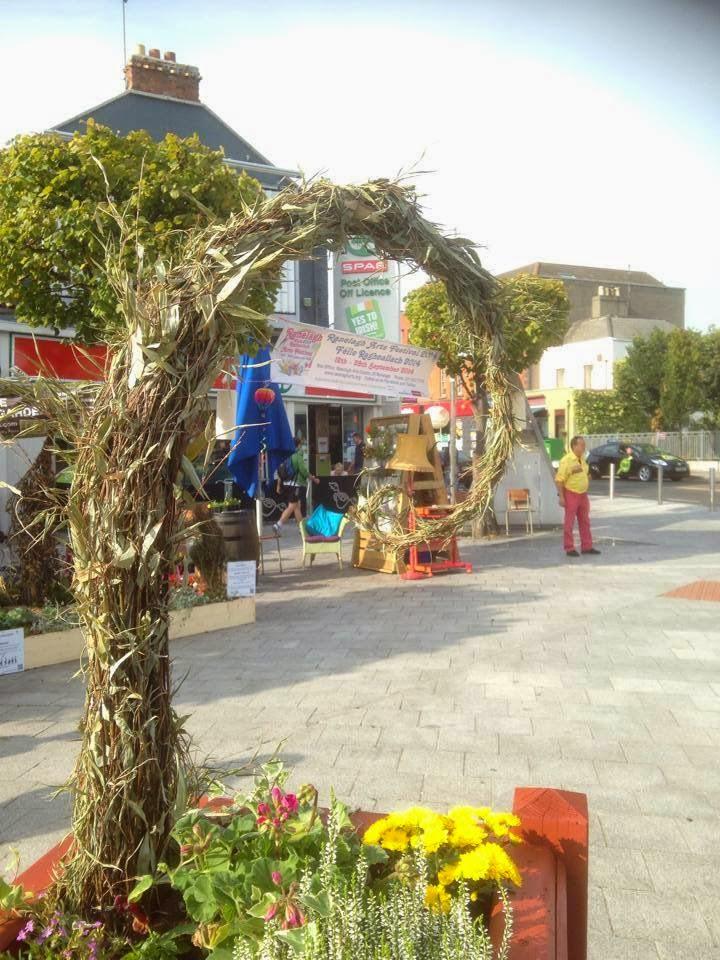 Scoodoo in planter Ranelagh Village