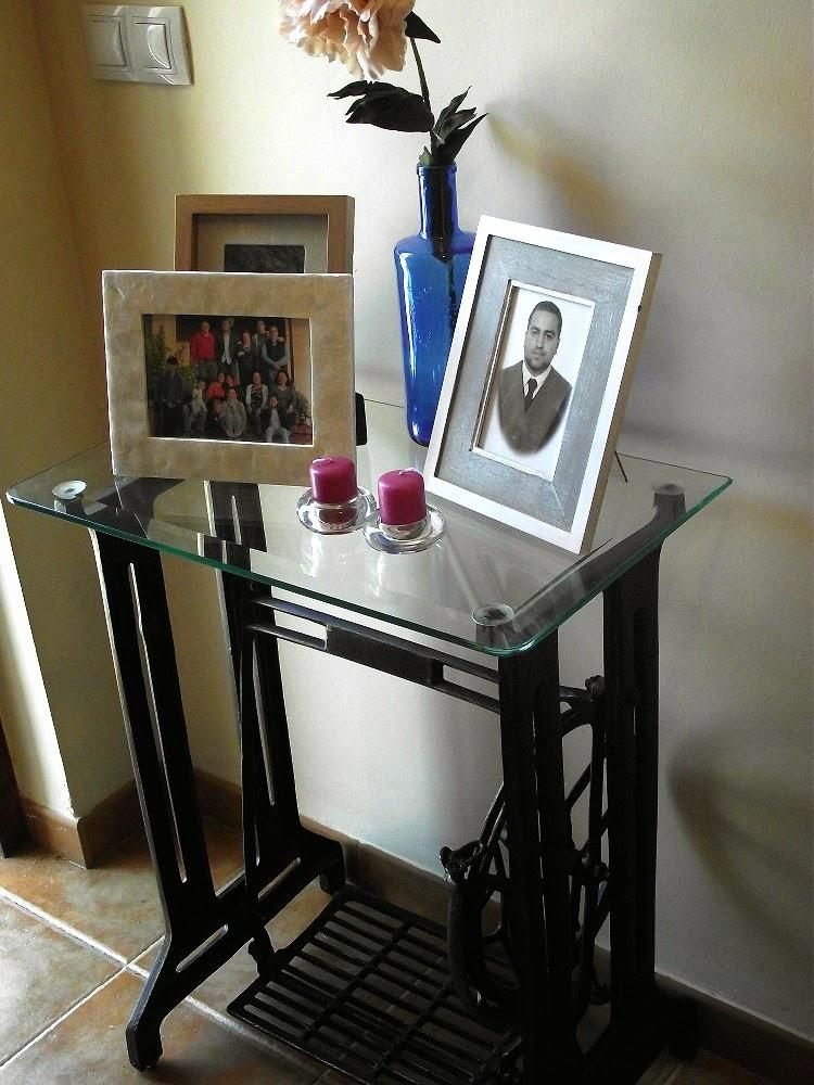 Trastos en el doblao pie de m quina de coser - Como hacer una mesa de escritorio ...