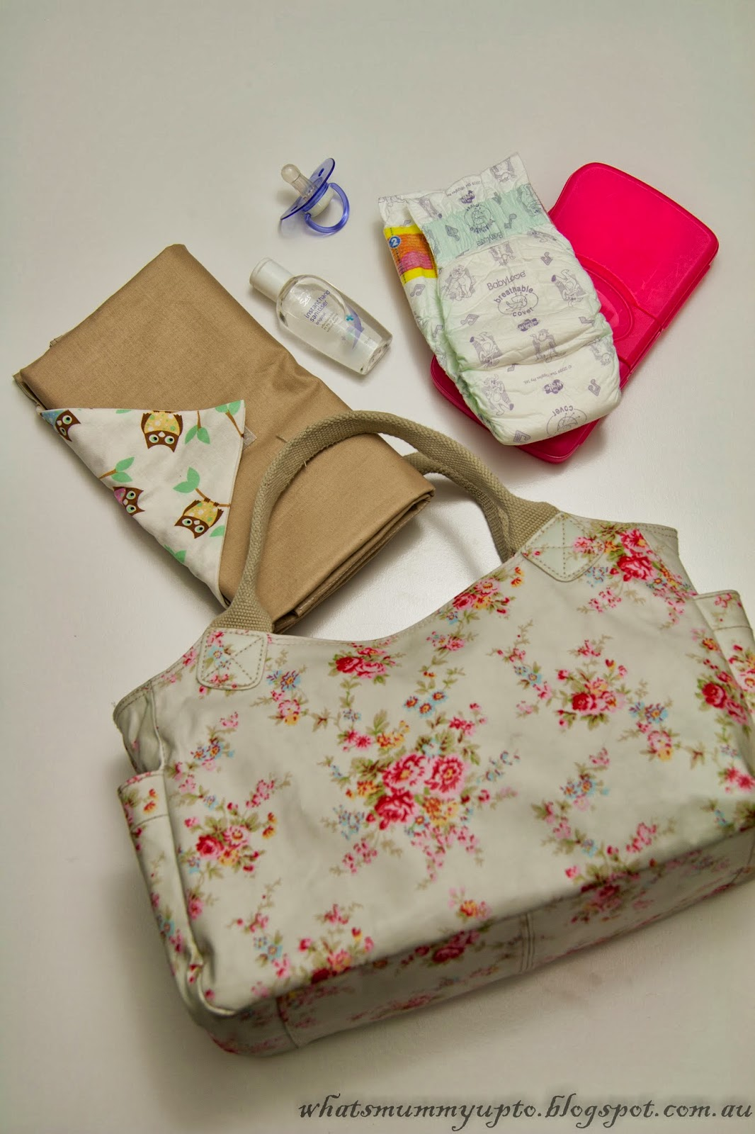 Sewing Project Fabric Basket Tutorial: What's Mummy Up To ...: Tutorial: Baby Change-Mat Clutch