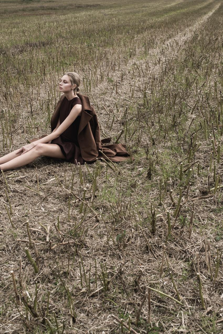 Blouse Victoria Beckham, Skirt Victoria Beckham, Coat Max Mara