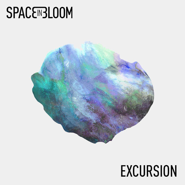 Excursion est le premier EP du quatuor parisien Space In Bloom