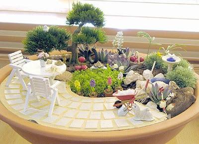 Giardino in miniatura estivo