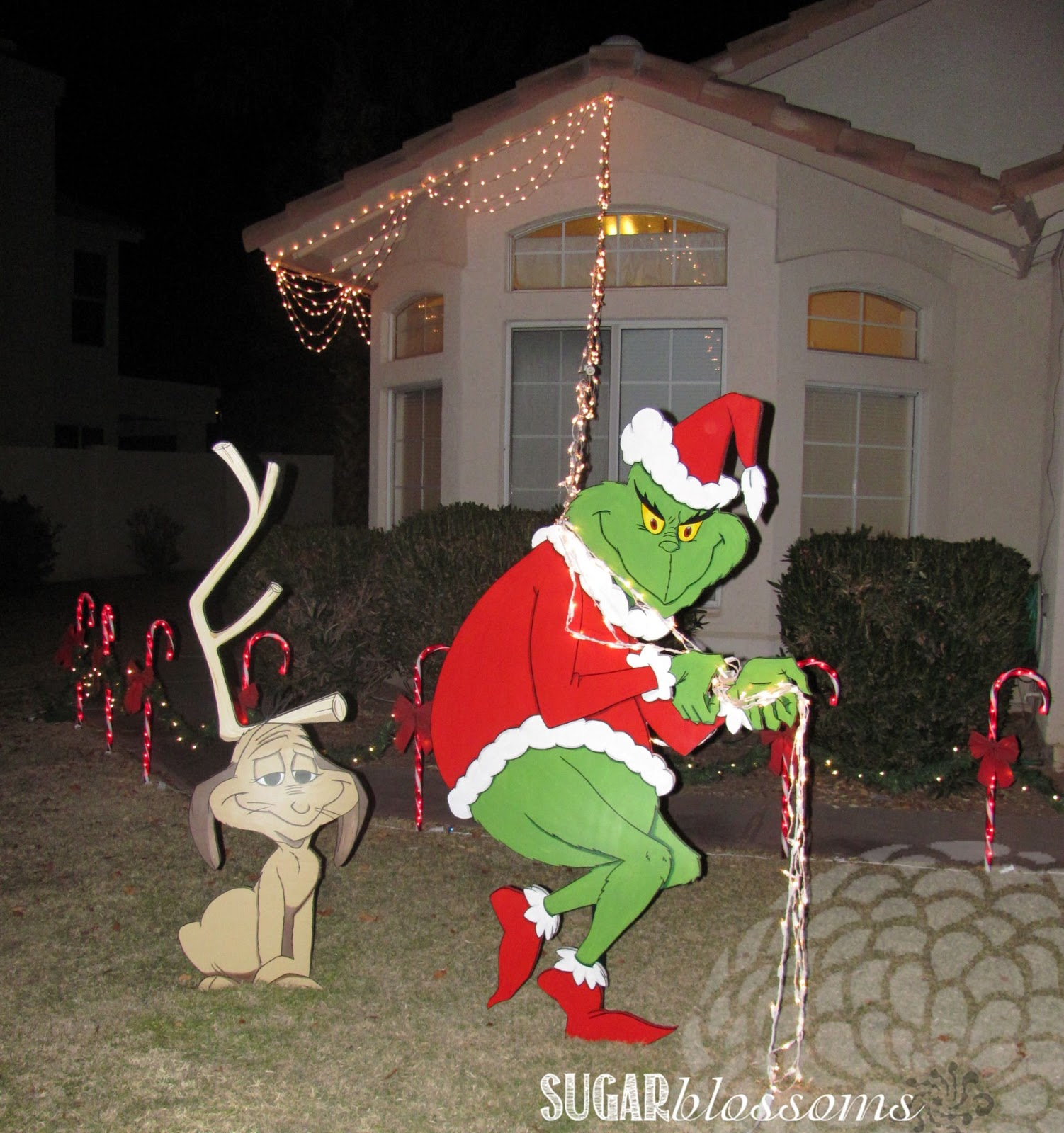 Christmas Grinch Decorations.Christmas Decoration Grinch Stealing Lights Ideas
