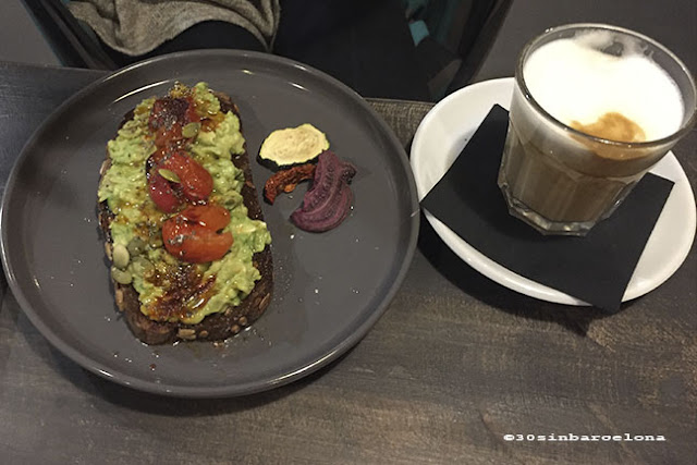 Avocado Toast in Hammocks Juice Station Barcelona