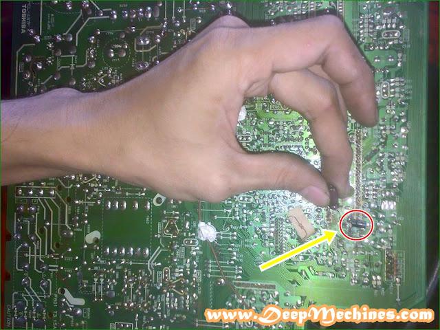 Gambar bagian bawah Mesin TV TV Toshiba bomba 14N5XM