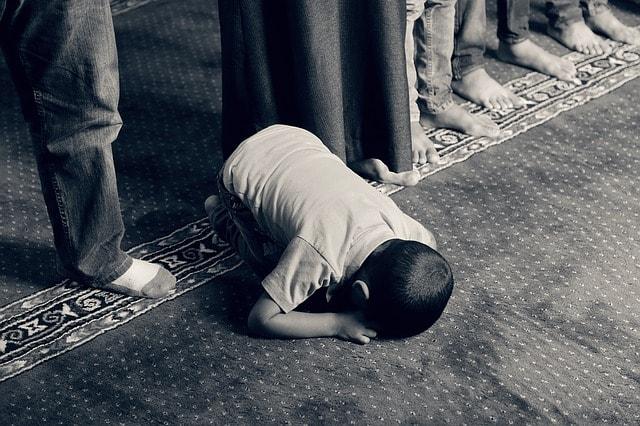 Keutamaan dan Hikmah Shalat Berdasarkan Al-Qur'an dan As-Sunnah