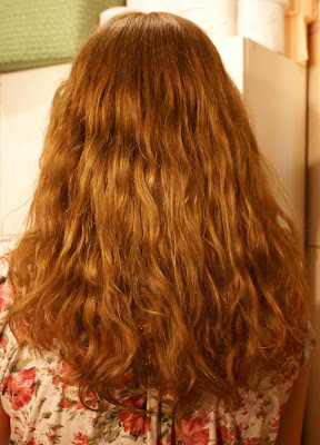 Wasze włosy u Mysi. Wyrzuć prostownicę!