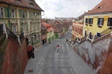 De pe Podul Minciunilor catre Piața Dragoner, către Sibiul de Jos.