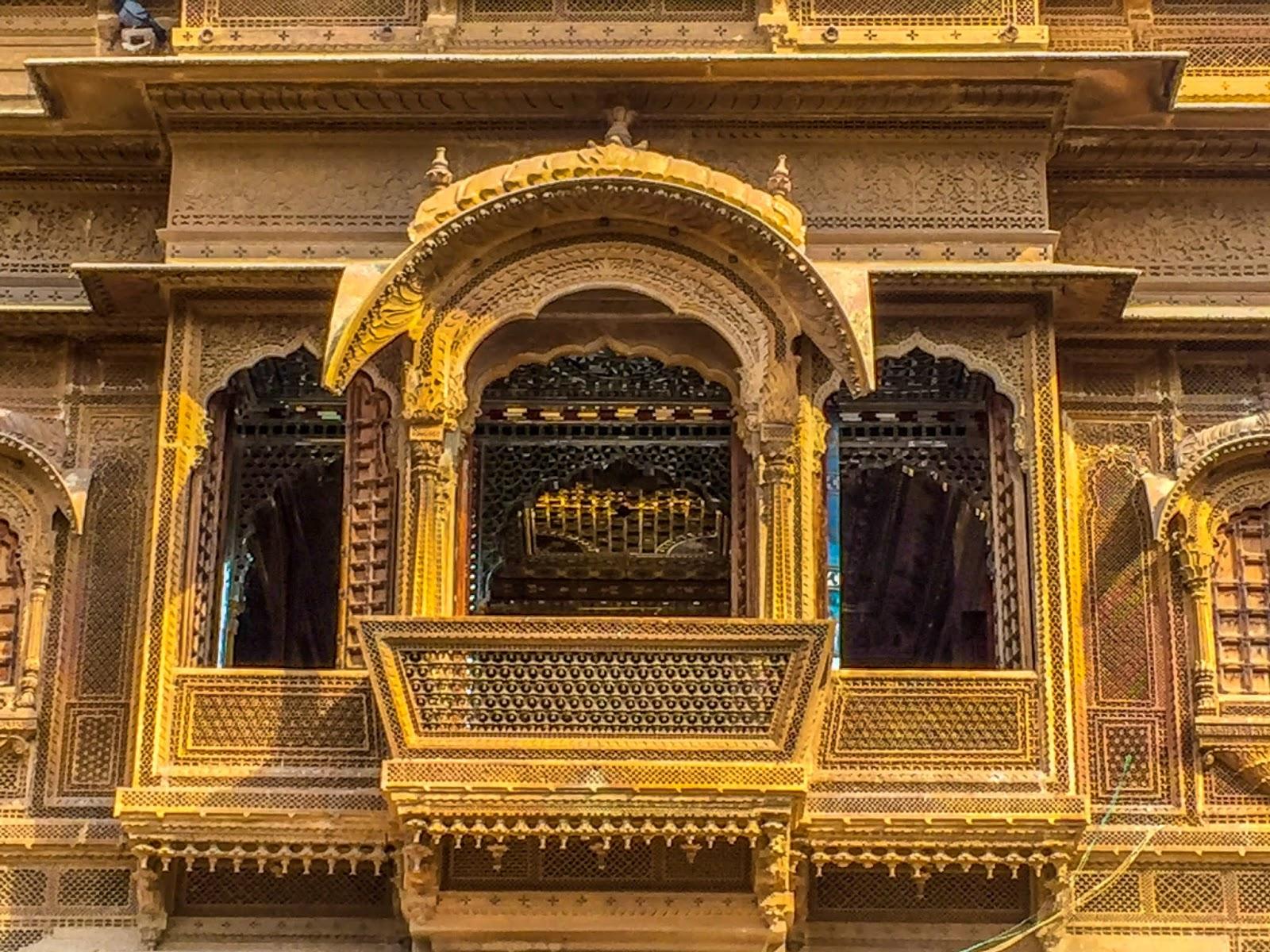 intricately carved Jharokhas
