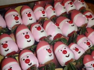 клубника, клубника рецепты, десерты из клубники, самые вкусные клубничные десерты, что можно сделать из клубники, ягодный десерт, клубника в глазури, десерт из свежих ягод, рецепты из клубники, клубника в шоколаде в домашних условиях, клубника в шоколаде на подарок, букет из клубники, букет из ягод, подарки на 5 марта, подарки на день влюбленных, ягоды в шоколаде, клубника в шоколаде мастер класс, как делать клубнику в шоколаде на продажу, клубника в шоколаде в домашних условиях, букет из клубники в шоколаде, торт клубника в шоколаде, клубника сладкоежка, фрукты в шоколаде, Варенье «Клубника в шоколаде», Как приготовить клубнику в шоколаде, Клубника в белом шоколаде и кокосовой стружке, Клубника в белом шоколаде и темных шоколадных чипсах, Клубника в глазури для романтического свидания, Клубника в розовом шоколаде на шпажках, Клубника в смокинге, Клубника в темном шоколаде, Клубника в шоколаде, Клубника в шоколаде «Божьи коровки» на День, Влюбленных, Клубника в шоколаде и хрустящем арахисе, Клубника в шоколаде на Хэллоуин,, Клубника в шоколаде с карамельными фигурками, Клубника в шоколаде Санта-Клаус, Клубника в шоколадном корсете, Клубника в шоколадных лодочках, Клубничные букеты — идеи, Клубничный шоколадный букет, Красивое оформление клубники в шоколаде, «Мраморная» клубника, «Услада для романтиков» — клубника в глазури, «Шляпа ведьмы» — клубника в шоколаде, Шоколадно-клубничные сердечки,клубника, клубника в шоколаде, шоколад, глазурь, ягоды, десерты ягодные, десерты клубничные, ягоды в глазури, десерты, сладости, глазурь шоколадная, блюда из клубники Санта-Клаус, Дед Мороз, десерты новогодние, стол новогодний, рецепты новогодние, декор новогодний, декор новогодних блюд,