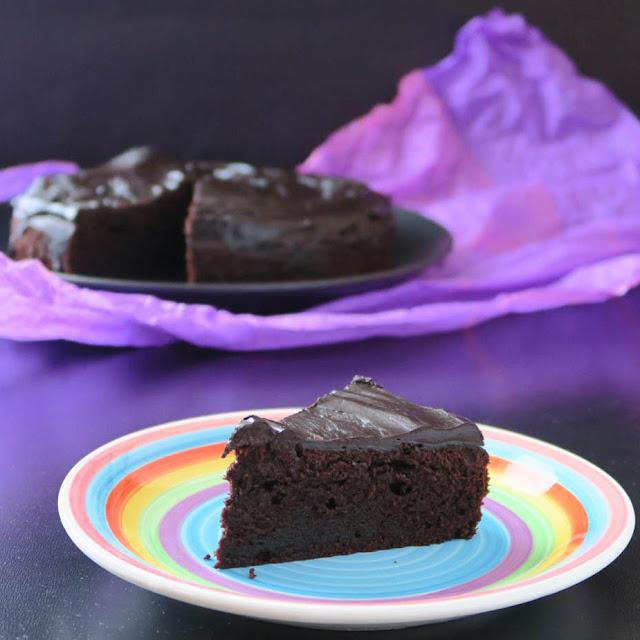 Einfacher, dunkler Schokoladenkuchen | pastasciutta.de