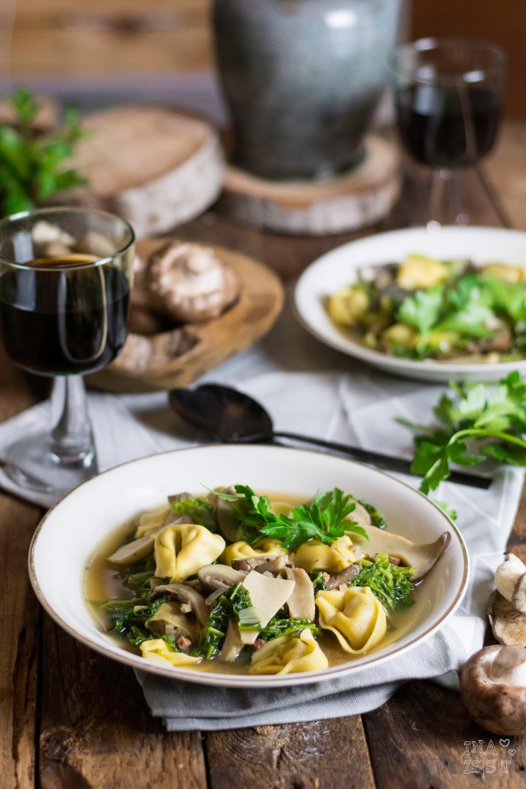 Tortellini Eintopf mit gemischten Pilzen und Wirsing, Rezept, Hilcona, Ina Is(s)t