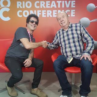 O músico George Israel e o engenheiro de som Geoff Emerick (reprodução Instagram)