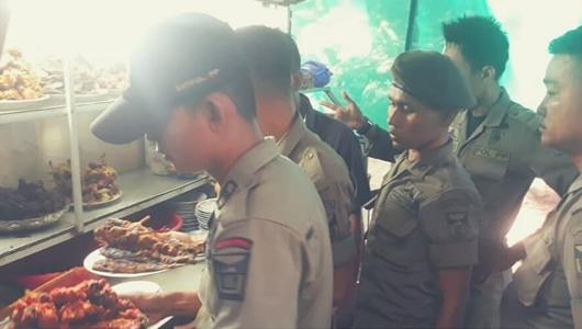 Razia Warkel, Satpol PP Padang Sita Kompor dan Tabung Gas