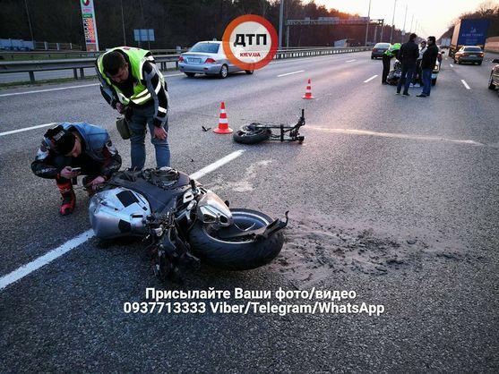 Під Києвом внаслідок ДТП мотоцикл розірвало на частини