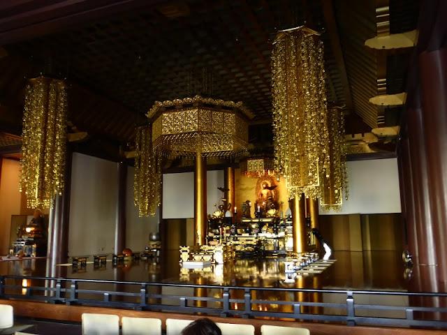 Interior del templo Zojo-ji