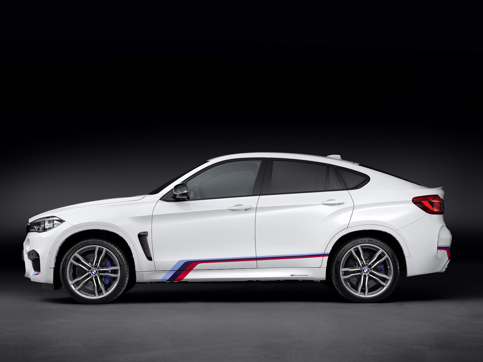 new bmw x5m and x6m graced with m performance parts carscoops. Black Bedroom Furniture Sets. Home Design Ideas