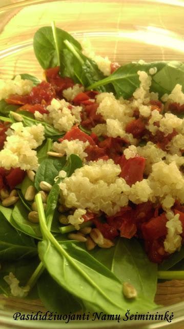 RECEPTAS: Salotos su džiovintais pomidorais, špinatais ir bolivine balanda