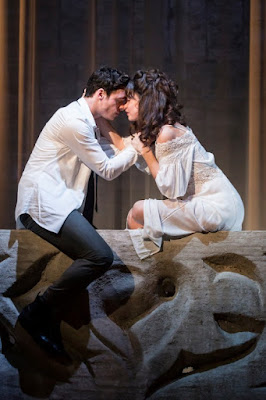 Romeo & Juliet balcony