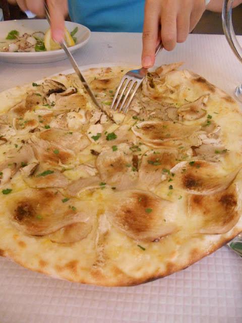 ローマで食すポルチーニのピッツァ