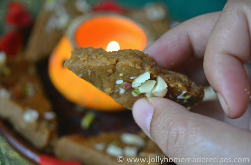 Gur papdi recipe how to make gud papdi recipe gujarati sukhdi gur papdi recipe how to make gud papdi recipe gujarati sukhdi recipe forumfinder Images