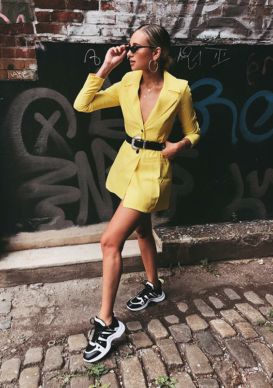 look fashion com blazer amarelo