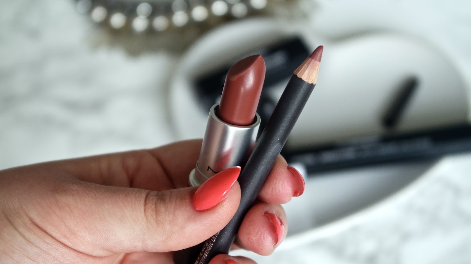 Beauty || MAC Whirl Lipstick & Lip Liner Review