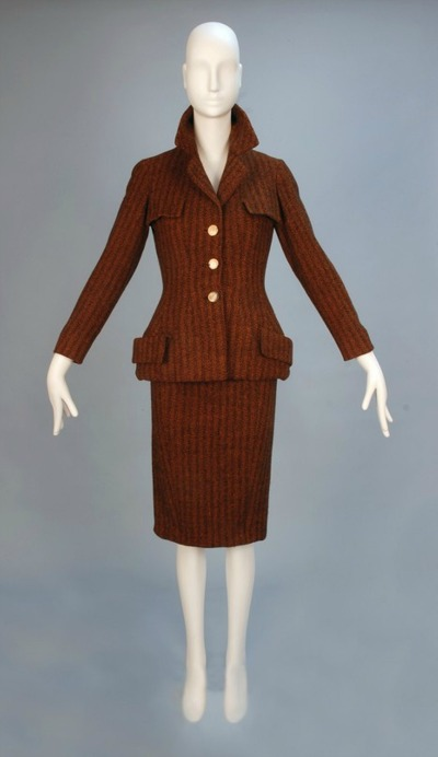 Suit made by Christian Dior in 1954 displayed on mannequin