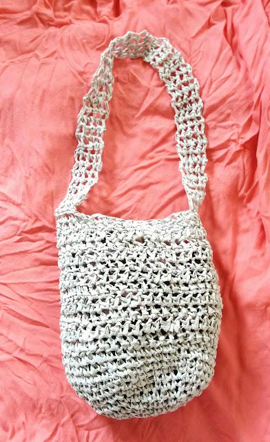 ダイソーのペーパーヤーンで編んだショッピングバッグ