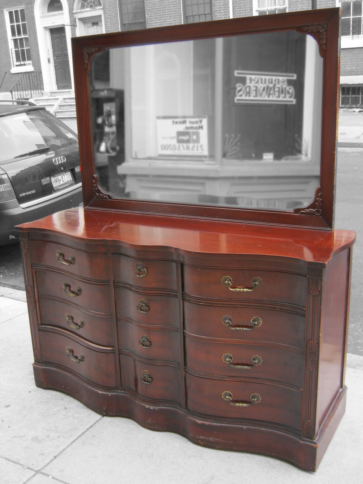 Uhuru Furniture & Collectibles: 1940's Mahogany Bedroom