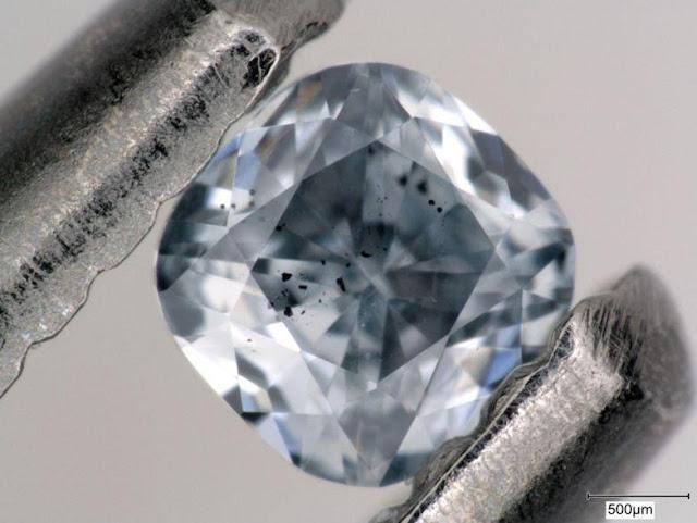 Diamantet Blu vijnë nga shtrati i Oqeanit