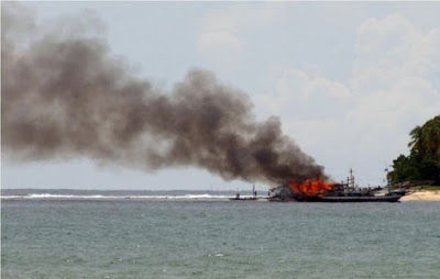 Kapal Cepat Fast Boat Gili Cat 2 Meledak
