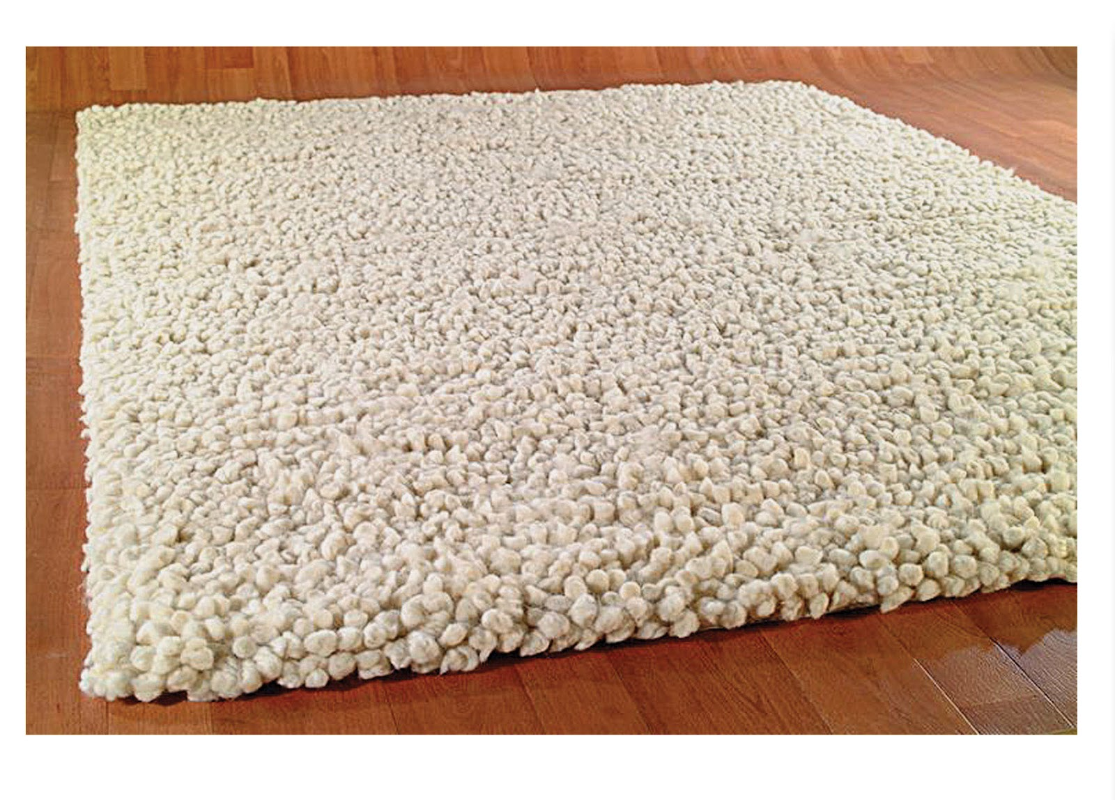 Protect the Floor having Wool Rugs ~ Types of Furniture