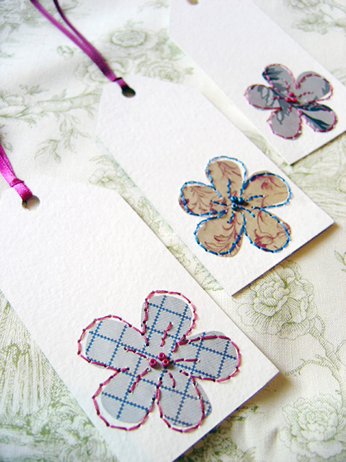 The Petit Cadeau Inspired Wrapping Flower Tag Tutorial