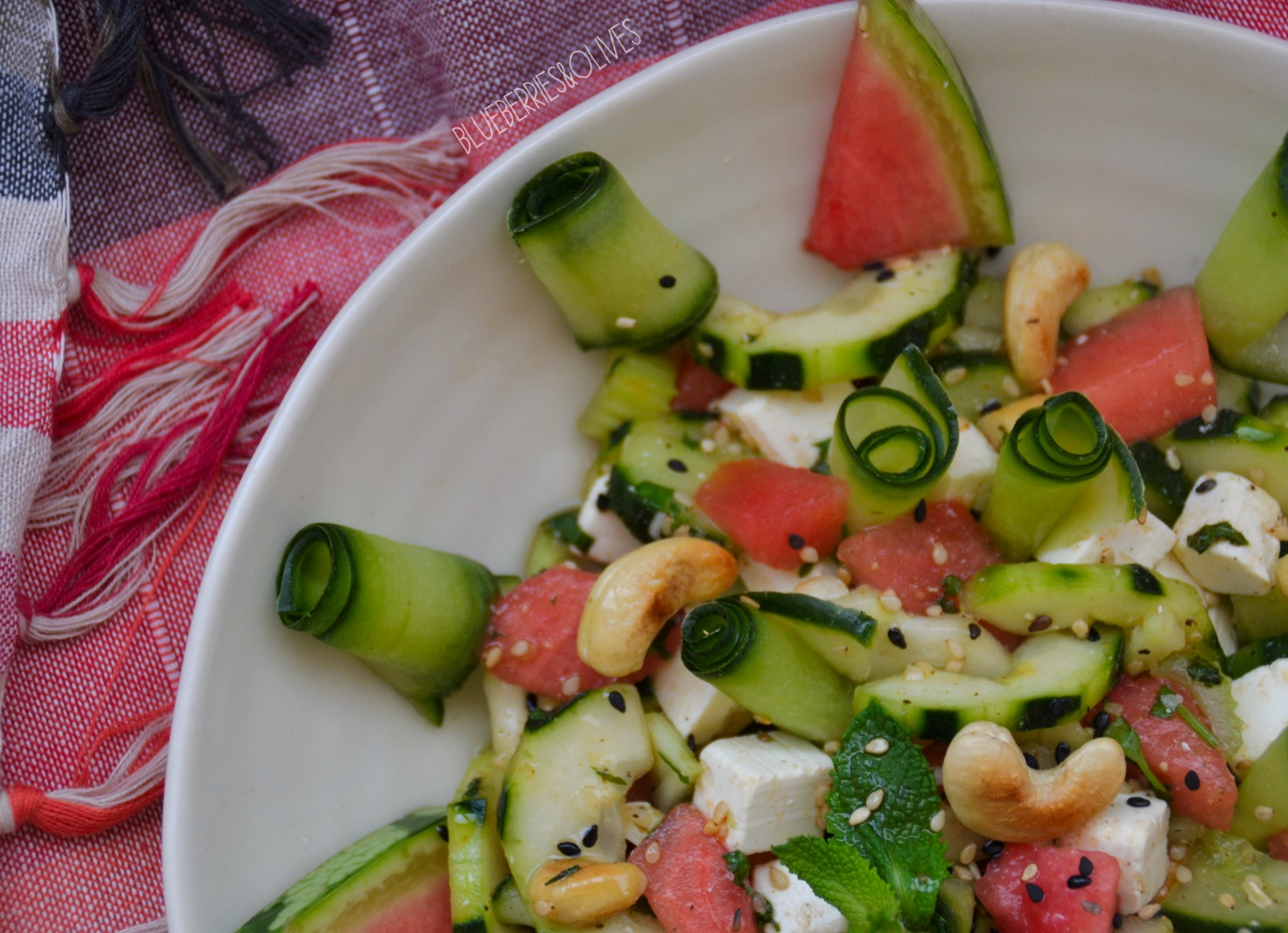 Ensalada de pepino y sandía con vinagreta oriental 2