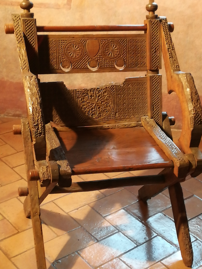 This post concerns a medieval chair that is nowadays known under several names most commonly the u0027Glastonbury chairu0027 the u0027Petrarca chairu0027 or u0027sedia ... & St. Thomas guild - medieval woodworking furniture and other crafts ...