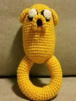 https://translate.googleusercontent.com/translate_c?depth=1&hl=es&rurl=translate.google.es&sl=en&tl=es&u=http://crochetemall.blogspot.com.es/2016/02/adventure-time-jake-rattle.html&usg=ALkJrhgnfmztgT9286lUcv04015PgKE3zQ