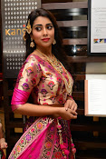 shriya saran new sizzling photos gallery-thumbnail-9