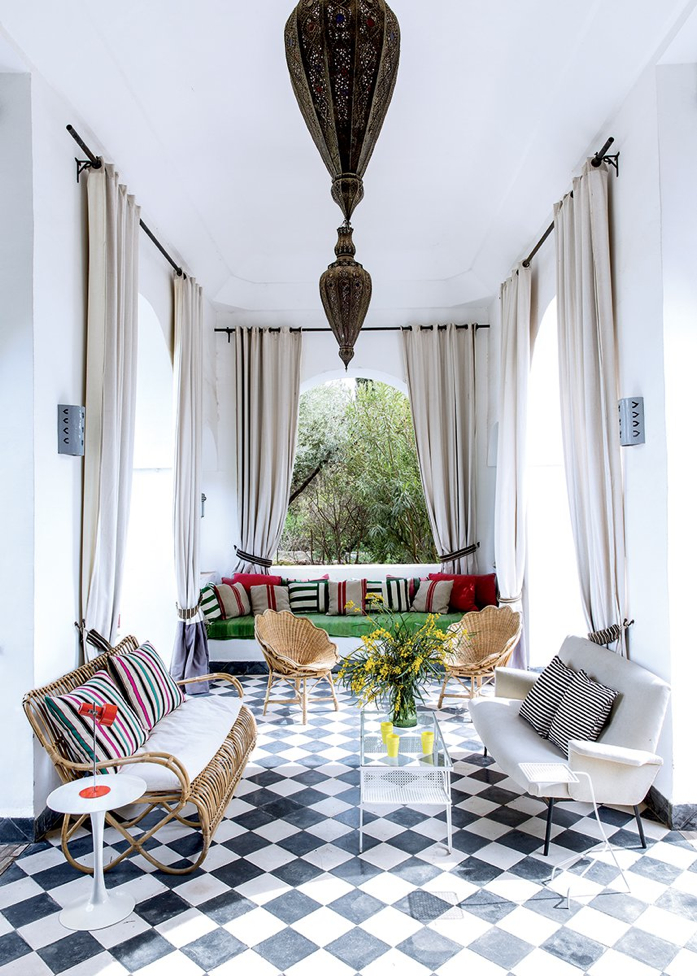 Lovely living space with Moroccan touches-design addict mom