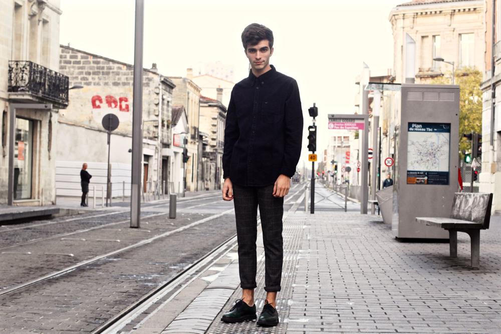 BLOG-MODE-HOMME_Preppy_Bordeaux-Paris-skinny-fashion-chemise-jean-noir-lee-denim-churchs-sweatpant-lame-de-rasoir-dinh-van