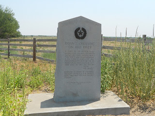 monument at doan's crossing texas