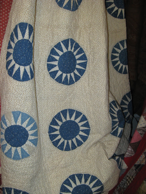 vintage sunburst quilt
