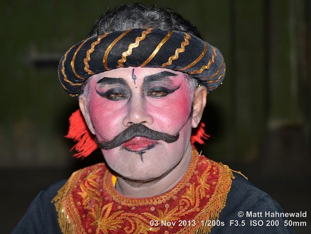 photo, portrait, Facing the World, © Matt Hahnewald, artist, 50 mm prime lens, Nikon DSLR D3100, Indonesia, wayang wong, Surakarta, Javanese dance, wayang orang, dancer, performer, posing, fake moustache, make-up