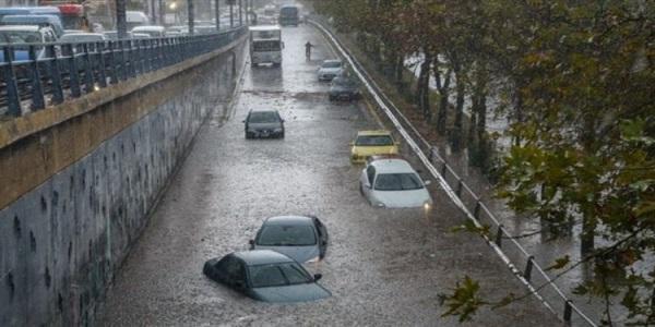 Προσοχή: Για καταιγίδες και πλημμυρικά φαινόμενα προειδοποιεί η ΕΜΥ και για αύριο Δευτέρα