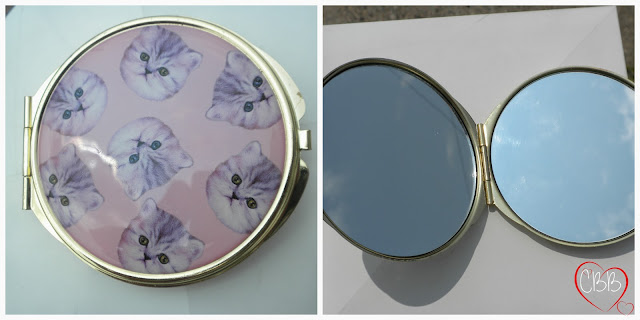 LOVE & BEAUTY Cat Compact Mirror