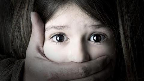 Döbbenet: 9 éves kora óta zaklatta nevelt lányát a Veszprém megyei férfi