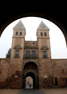Interior puerta de Bisagras en Toledo