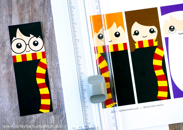 image regarding Cute Bookmarks Printable titled Free of charge Printable Harry Potter Bookmarks artsy-fartsy mama